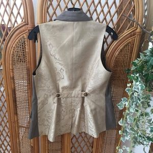 Gorgeous CAbi Two-toned Vest